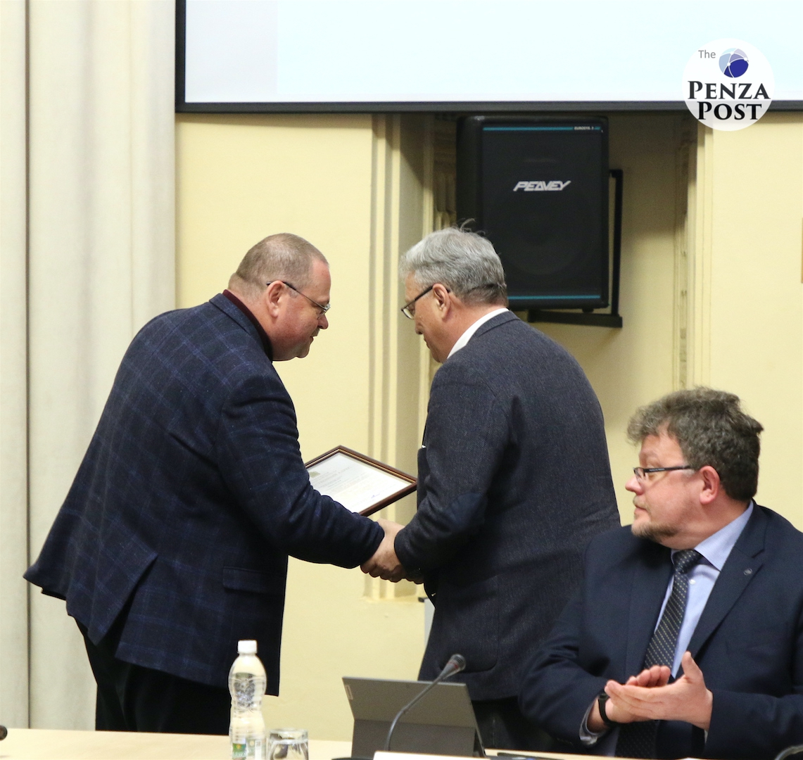 Олег Мельниченко предложил Валентину Мануйлову с помощью бизнеса возродить печатную версию газеты «Улица Московская»