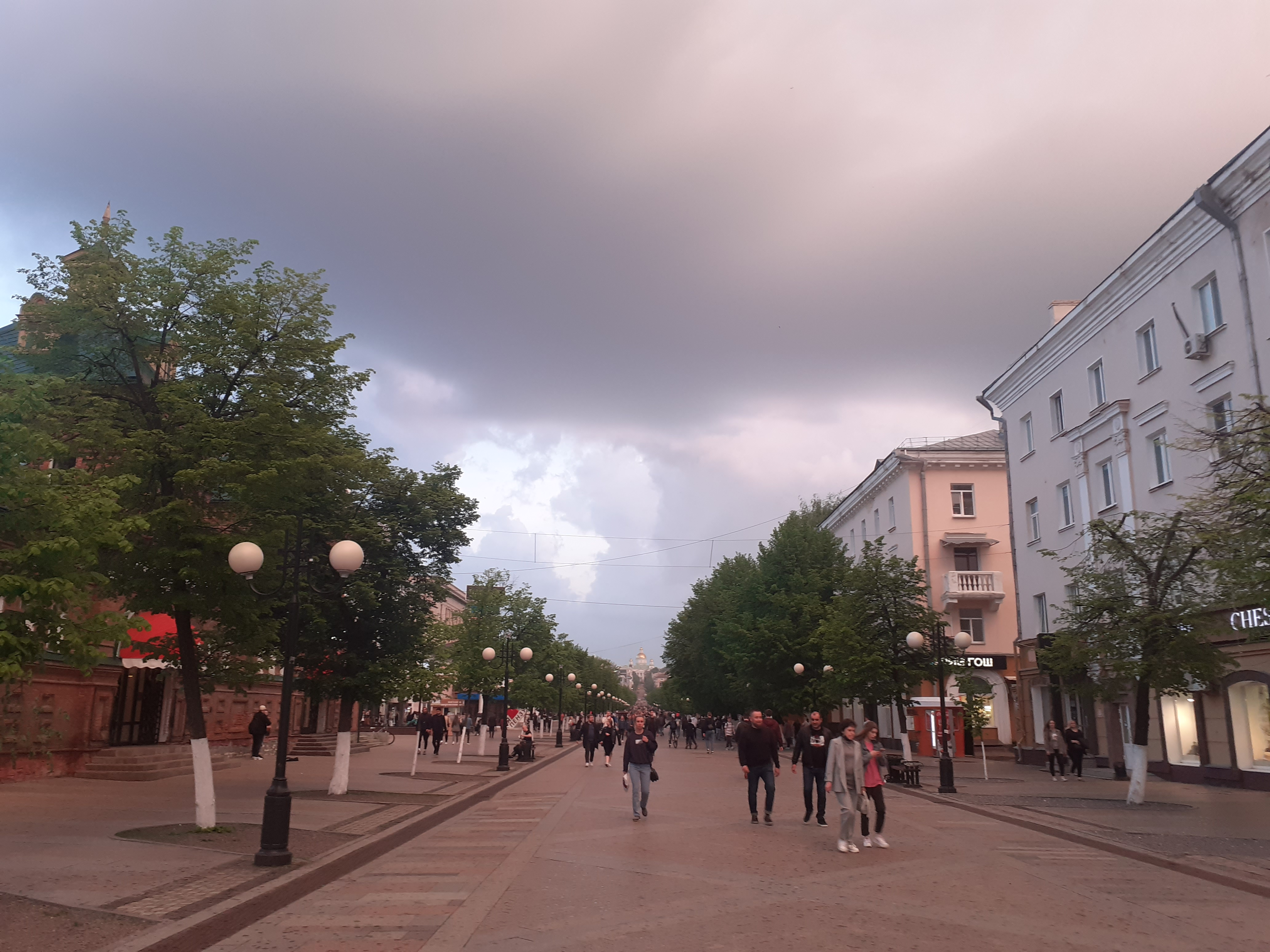 На улице Московской в Пензе демонтировали рекламные конструкции