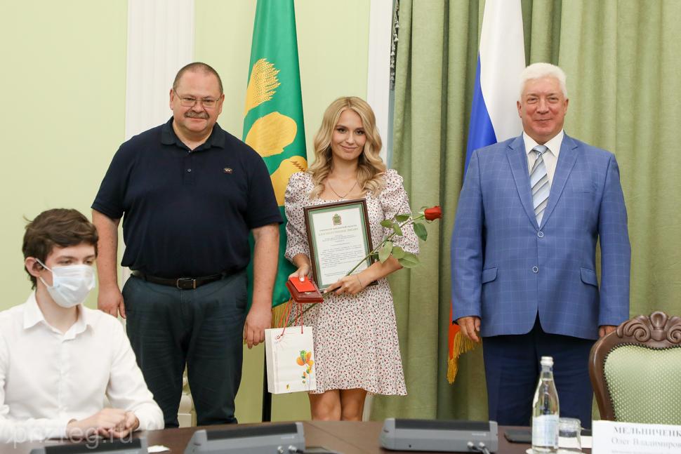 Пензенские выпускники Мединститута ПГУ отмечены наградами за вклад в борьбу с коронавирусом