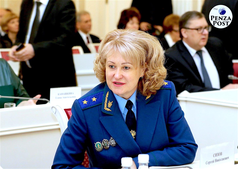 Управленческая реформа, похоже, приходит в региональный надзор. Что может связать Наталью Канцерову, самарского прокурора и Дмитрия Каденкова?