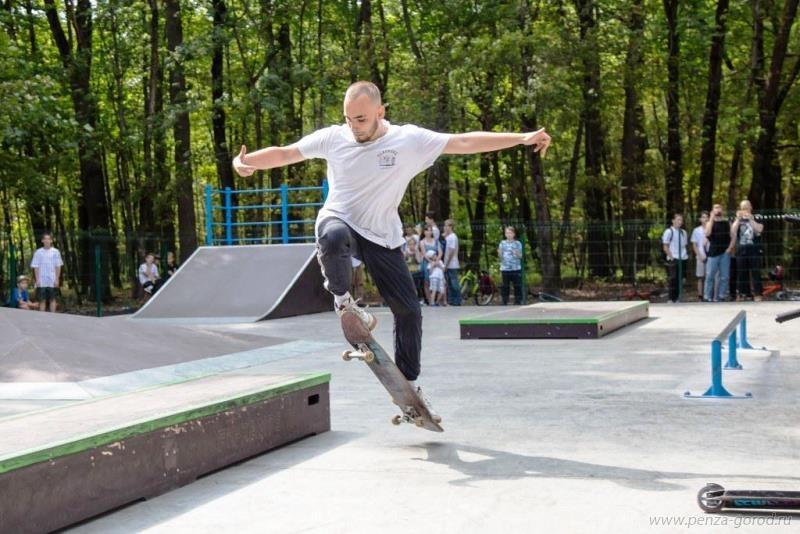 В Пензе на Олимпийской аллее открылся скейт-парк