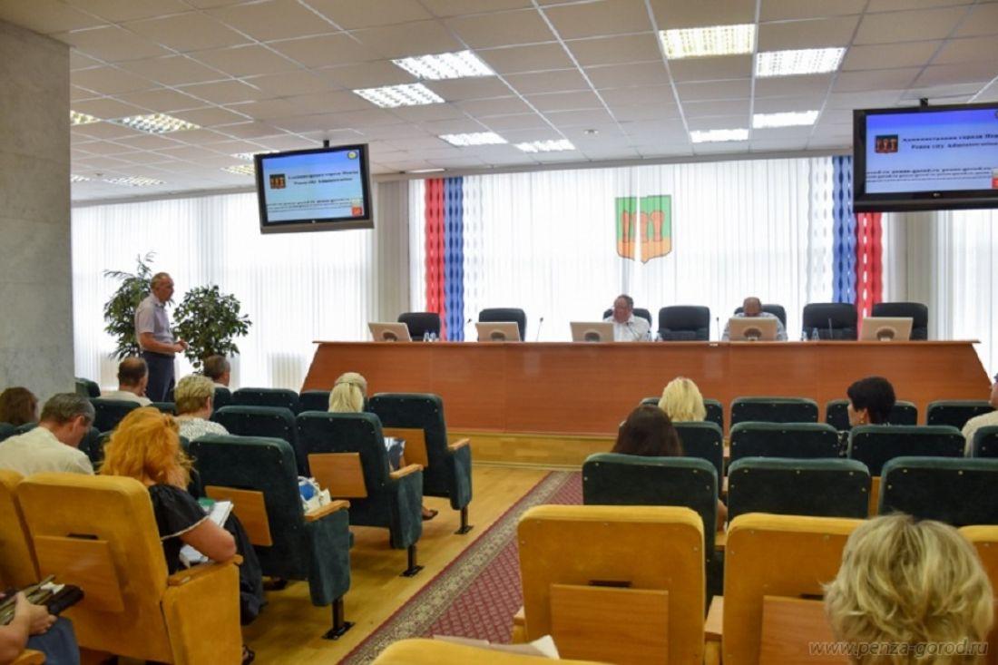 В Пензе поговорили о подготовке к установке стелы «Город трудовой доблести»