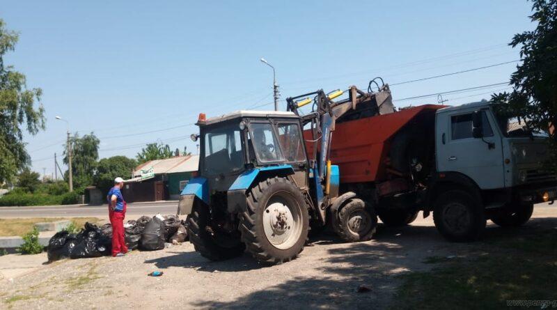В Пензе с набережной вывезено более четырех кубометров мусора
