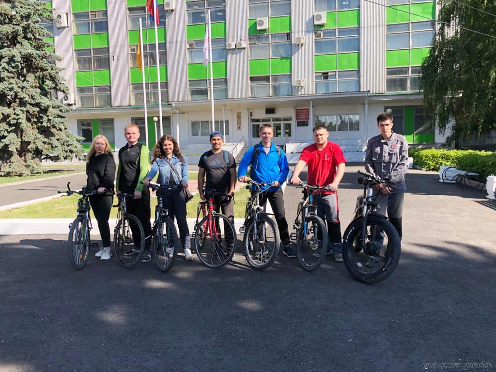 Более 350 пензенцев сели на велосипед и поехали на работу